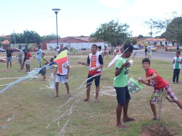 Evento reuniu cerca de 300 pessoas (Foto: Ellyo Teixeira/ G1)