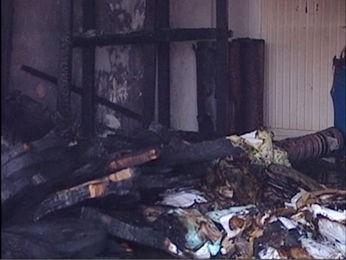 Pesquisas de universitários foram destruídas pelo incêndio. (Foto: Reprodução/TVCA Sinop)
