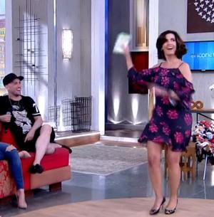 Fátima Bernardes mostra o gingado no palco (Reprodução/ TV Globo)