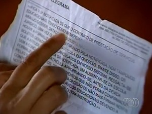 Mãe recebeu telegrama sugerindo que procurasse outra escola para a filha em Catalão, em Goiás (Foto: Reprodução/ TV Anhanguera)