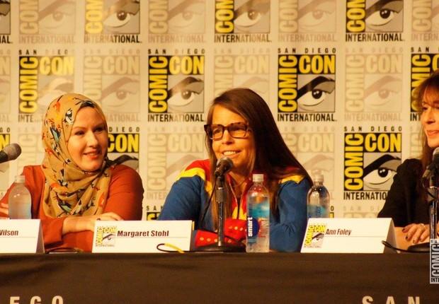As convidadas especiais G. Willow Wilson, Margaret Stohl e Ann Foley discutem como é para uma mulher trabalhar no mundo dos quadrinhos e o que isso significa para o futuro (Foto: Comic-Con)