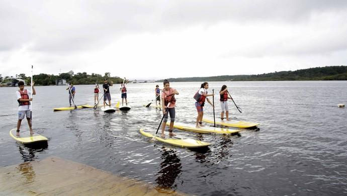 Aulas de sup serão ministradas na Zona Oeste de Manaus (Foto: Mário Oliveira/Semcom)