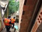 Prefeitura vai começar a demolir casas interditadas em Macaé, no RJ