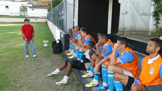 Gilson Gênio, técnico do São Pedro (Foto: Pierre Sampaio)