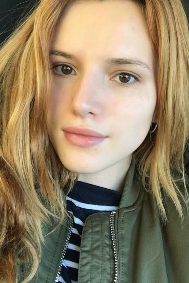 Bella Thorne sem maquiagem (Foto: Reprodução)