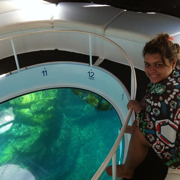 Preta Gil faz passeio de barco em Fernando de Noronha (Foto: Instagram / Reprodução)