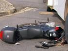 Homem é salvo por capacete após ser atingido por ônibus em Varginha