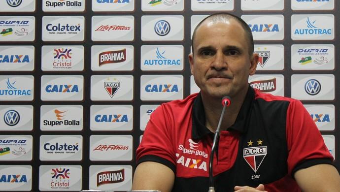 Wagner Lopes - técnico Atlético-GO (Foto: Fernando Vasconcelos / Globoesporte.com)
