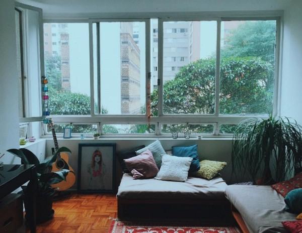 Que tal a sala clean da Manu Gavassi? (Foto: Reprodução/Instagram)