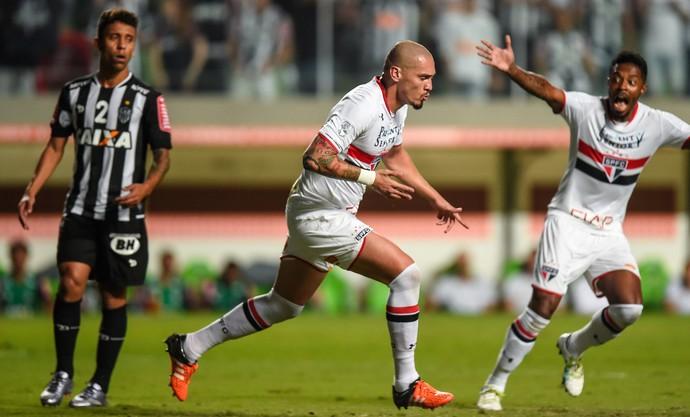 Marcos Rocha; Maicon; Atlético-MG; São Paulo (Foto: AP Photo/Juliana Flister)
