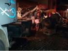 Caminhão perde freio em ladeira, invade bar e passageira morre na BA