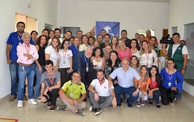 Confraternização envolveu colaboradores de vários setores e a nova direção regional da emissora (Foto: Murilo Lima)