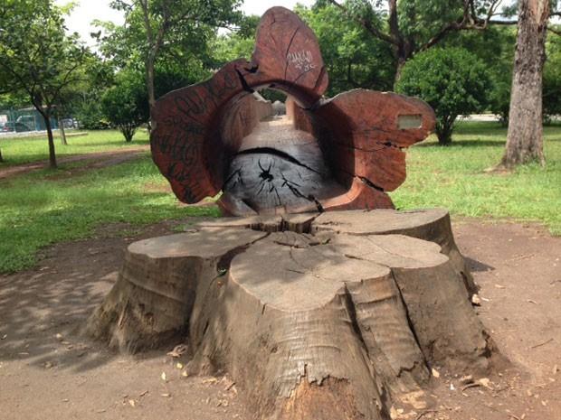 Escultura que está entre as preferidas das crianças no parque (Foto: Márcio Pinho/G1)