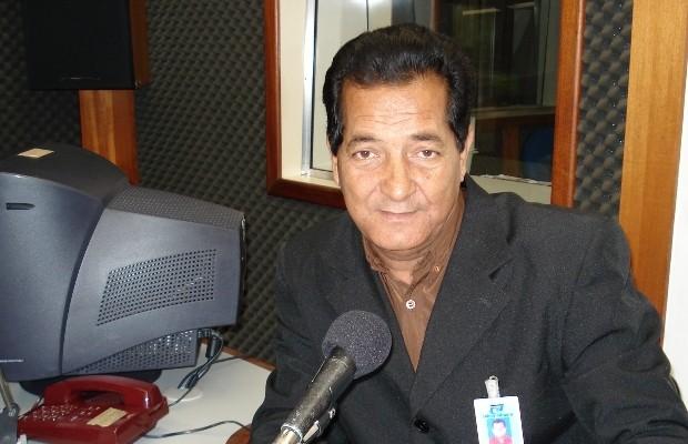 Neilton quando trabalhava na Rádio Anhanguera, em Goiânia (Foto: Arquivo pessoal)