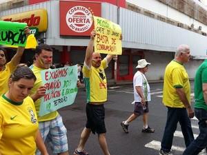 Manifestação Uberlândia (Foto: Alexandre David/G1)