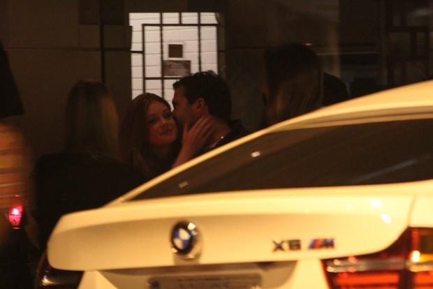 Marina Ruy Barbosa e o namorado   (Foto: Rodrigo dos Anjos / AgNews)