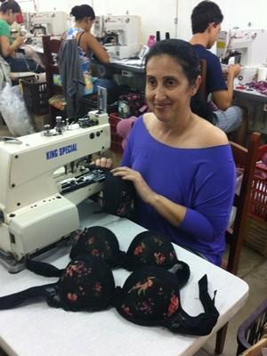 5104dc9c3 Georgina Mônica trabalha há 23 anos no ramo da moda íntima (Foto  Fernanda  Borges