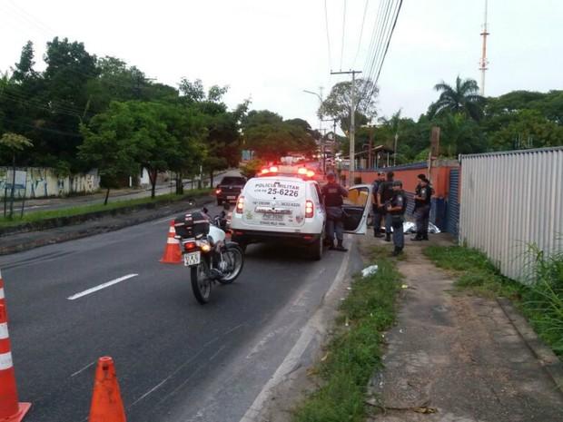 Acidente ocorreu por volta das 5h deste domingo (12) (Foto: Divulgação/Manaustrans)