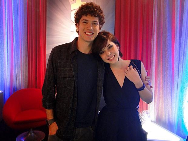 Alexia e Gabriel firmaram o namoro depois da prisão de Cristal e Moisés (Foto: Malhação / TV Globo)