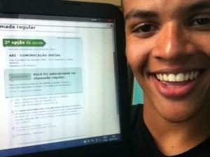 Jovem é aprovado em universidade do Rio de Janeiro pelo Sisu (Foto: Renan Bento/ Arquivo Pessoal)