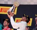 Hamilton, vitória para desopilar
