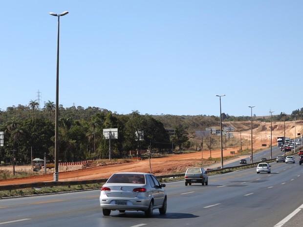 Obras do DER às margens da BR-020 devem ser entregues em dezembro de 2017, segundo GDF (Foto: Dênio Simões/Agência Brasília)