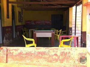 Homem morto tentava roubar um bar no bairro Algodão em Pouso Alegre (Foto: Reprodução EPTV/Edson de Oliveira)