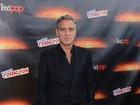 George Clooney faz aparição surpresa em evento para divulgar filme