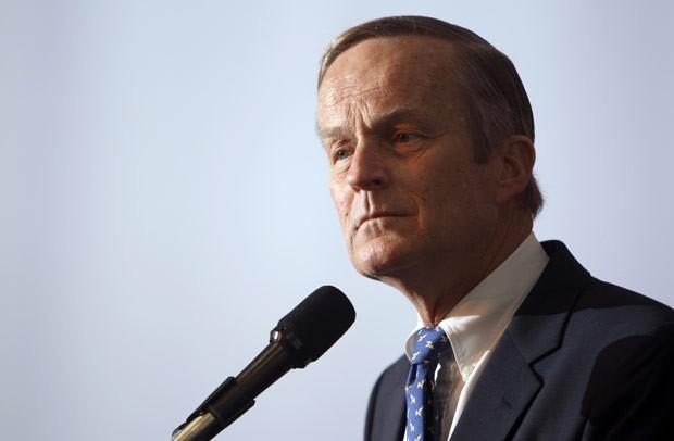 O parlamentar republicano Todd Akin em 17 de maio de 2011 (Foto: AFP)