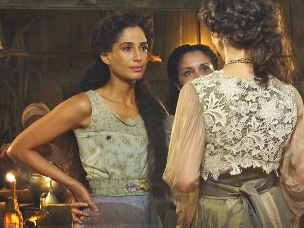 Isabel recebe incentivo de Jurema e Dorleac para voltar a dançar (Foto: Lado a Lado/TV Globo)