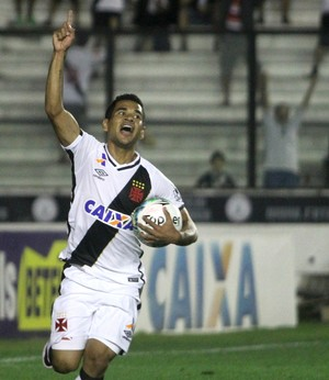Ederson comemoração Vasco x Bragantino (Foto: Paulo Fernandes/Vasco.com.br)