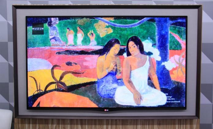 """Parecendo um quadro, a LG EA8800 """"OLED Gallery"""" exibe galeria de imagens quando em stand-by (Foto: TechTudo/Renato Bazan) (Foto: Parecendo um quadro, a LG EA8800 """"OLED Gallery"""" exibe galeria de imagens quando em stand-by (Foto: TechTudo/Renato Bazan))"""