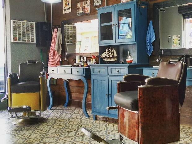 Barbearias são inspiradas em clima vintage (Foto: Reprodução/Facebook Barba Ruiva)