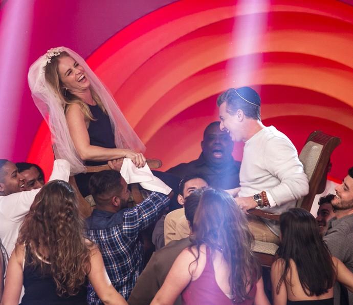 Angélica se diverte ao lembrar ritual judaico que aconteceu em seu casamento (Foto: Isabella Pinheiro/Gshow)