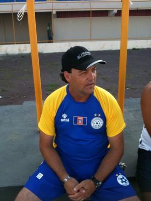 Luiz Juresco é o treinador da equipe (Foto: Divulgação/Boca Júnior)