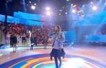 Luan Santana canta nova música no 'Caldeirão'