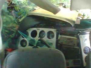Interior da aeronave após queda (Foto: Divulgação PM)