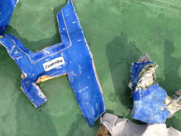 Avião da EgyptAir, que fazia a rota entre Paris e a cidade do Cairo, no Egito, caiu no mar efetuando duas voltas bruscas após desaparecer dos radares e perder altitude a uma grande velocidade. (Foto: Reprodução/AFP)