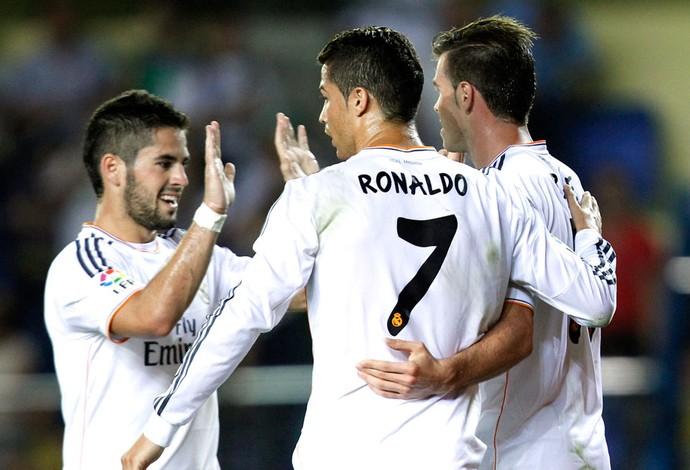 Bale e Cristiano Ronaldo comemoração Real Madrid contra o Villarreal (Foto: Agência AP)