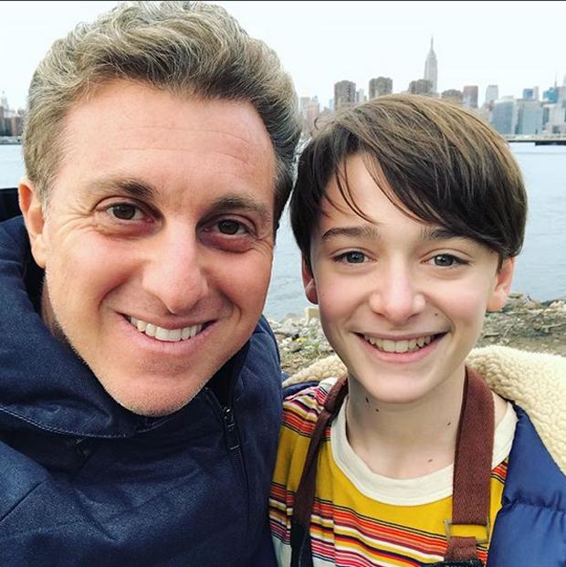 Luciano Huck e Noah Schnapp (Foto: Reprodução/Instagram)
