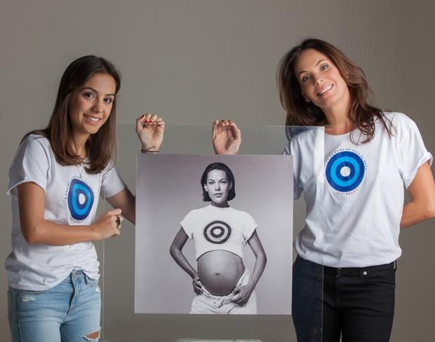 Carolina Ferraz e a filha Valentina (Foto: Divulgação)