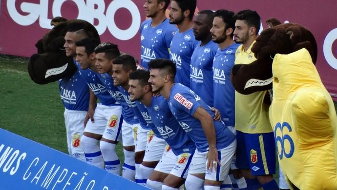 df6d8885a6eb7 Cruzeiro estreia terceiro uniforme contra Santos (Foto  Maurio Paulucci)
