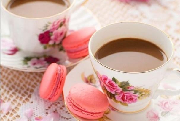 Tem aroma mais gostoso do que a combinação café + bolo recém-saído do forno? (Foto: @pinkdiarybyzolah/Instagram)