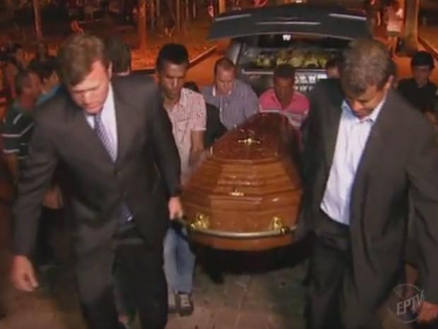 Corpo de Laércio Betarelli foi velado na igreja matriz de Elias Fausto (Foto: Reprodução/EPTV)