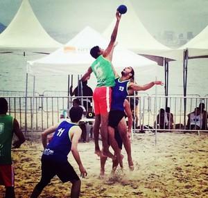 Ítalo, jogador de handebol de areia do IFPI (Foto: Reprodução/facebook)