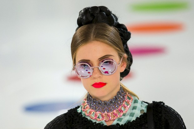 Coleção de alto-verão 2016 da grife Chanel é apresentada na Coreia do Sul (Foto: AFP)