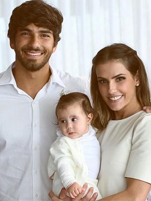 Hugo Moura, Maria Flor e Deborah Secco (Foto: Reprodução Instagram)