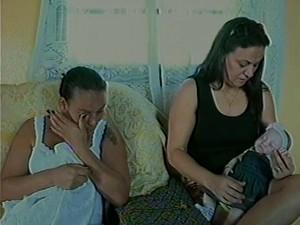 A irmã gêmea da bebê passa bem (Foto: Reprodução RBS TV)