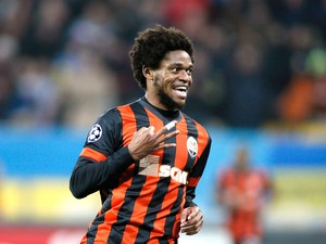 Luiz Adriano Shakhtar (Foto: Reuters)