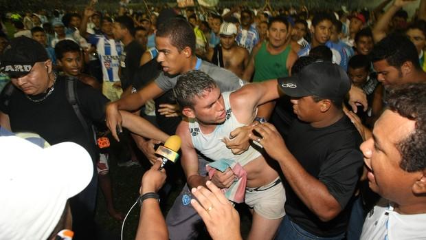 Rafael viveu uma relação de amor e ódio com a torcida do Papão (Foto: Marcelo Seabra/O Liberal)